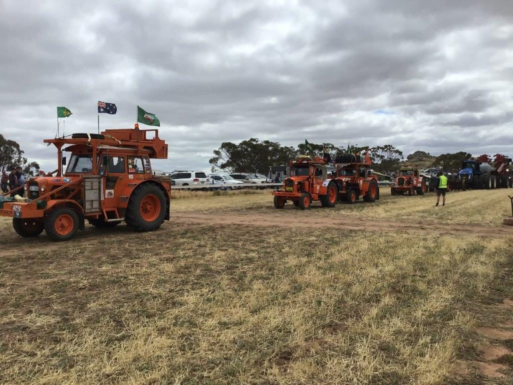 2019 1005 Grand Parade at Kulin Bush Races